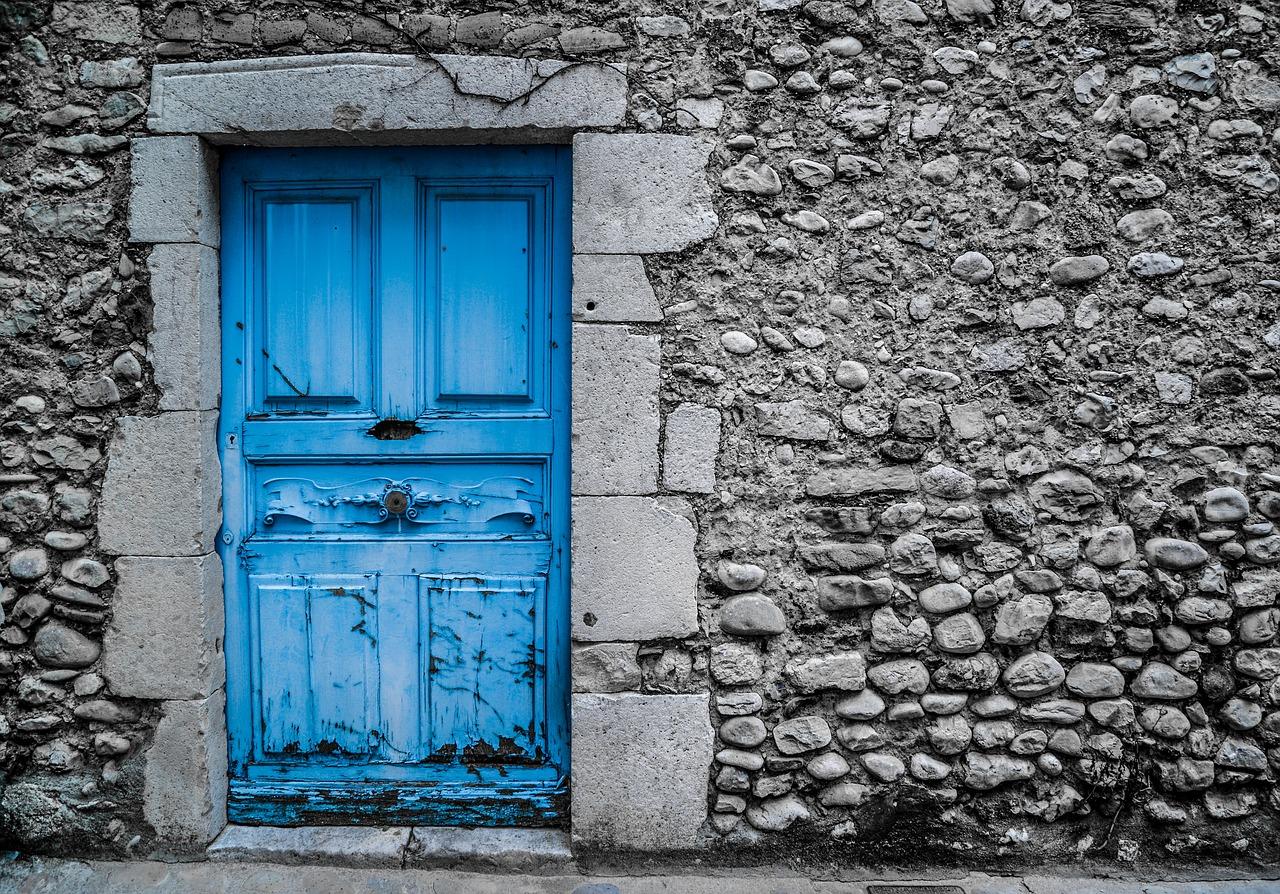 Comment changer sa porte à un prix abordable ?